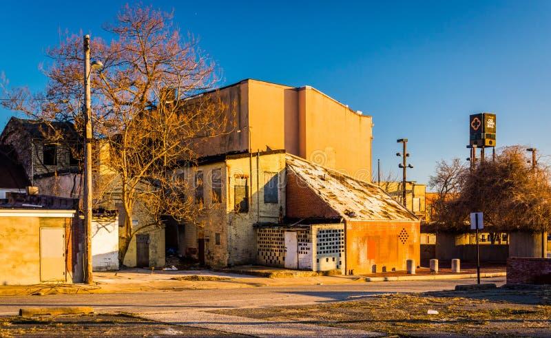 Εγκαταλειμμένα κτήρια κοντά στην παλαιά πόλης λεωφόρο, στη Βαλτιμόρη, Μέρυλαντ στοκ φωτογραφίες