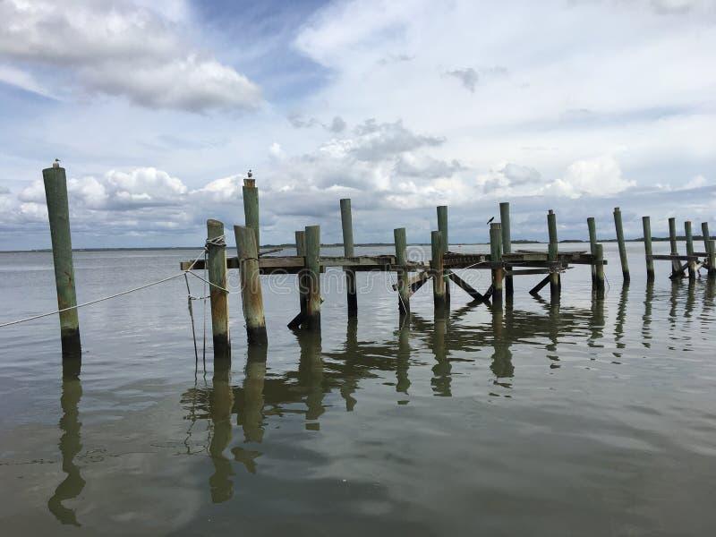 Εγκαταλειμμένες αποβάθρες θάλασσας στοκ εικόνα με δικαίωμα ελεύθερης χρήσης