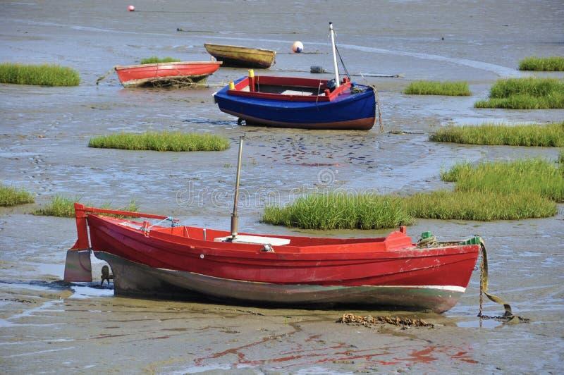 Εγκαταλειμμένες μικρές βάρκες στοκ εικόνες με δικαίωμα ελεύθερης χρήσης
