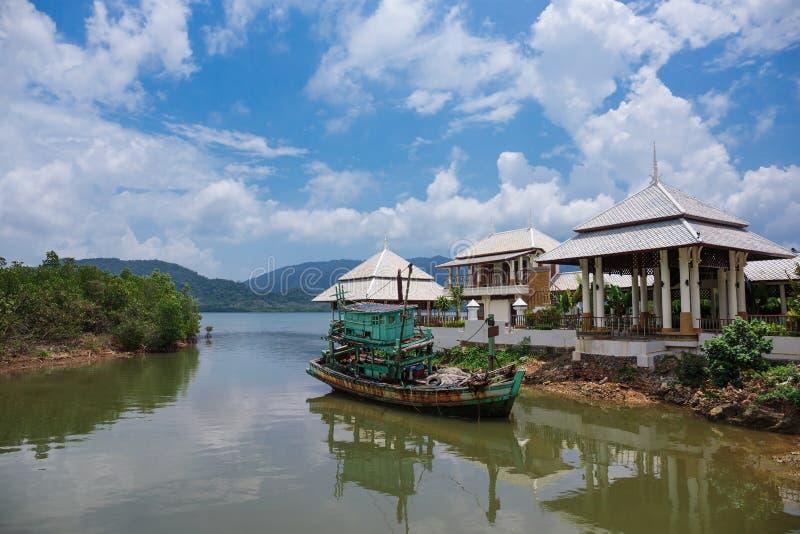 εγκαταλειμμένη αλιεία βαρκών παλαιά στοκ εικόνες με δικαίωμα ελεύθερης χρήσης