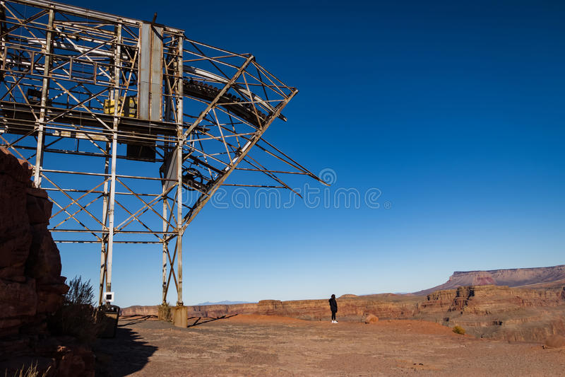 Εγκαταλειμμένη εναέρια τροχιοδρομική γραμμή καλωδίων του ορυχείου στο σημείο γουανό - μεγάλο δυτικό πλαίσιο φαραγγιών, Αριζόνα, Η στοκ εικόνα με δικαίωμα ελεύθερης χρήσης