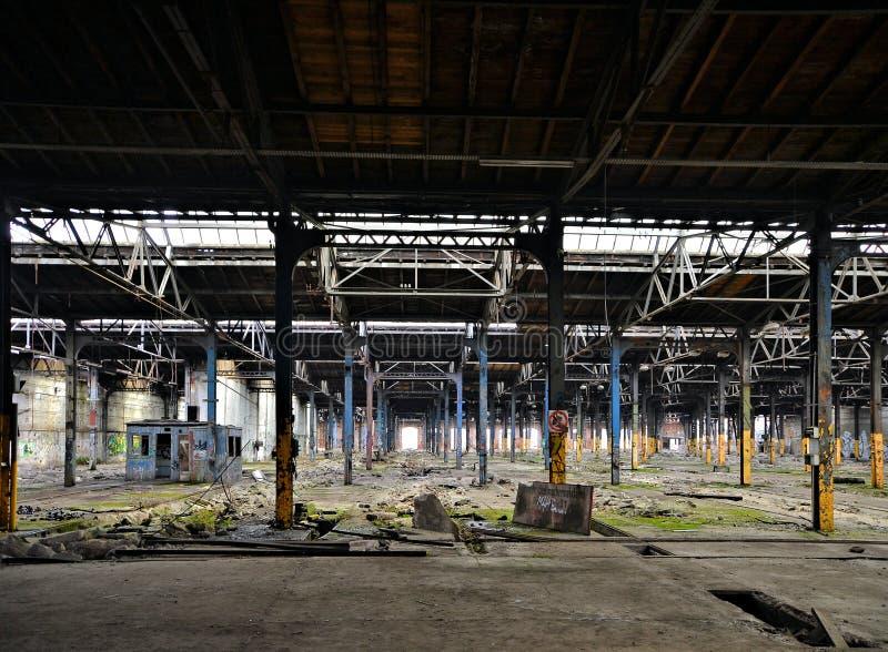 Εγκαταλειμμένο και κενό εργοστάσιο στοκ εικόνα με δικαίωμα ελεύθερης χρήσης