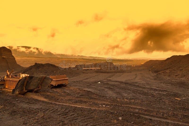 Εγκαταλειμμένο ορυχείο - χαλασμένο τοπίο μετά από τη μεταλλεία μεταλλεύματος στοκ εικόνες