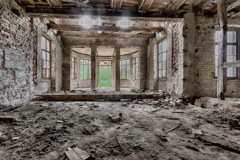 εγκαταλειμμένο παλάτι στοκ εικόνες με δικαίωμα ελεύθερης χρήσης