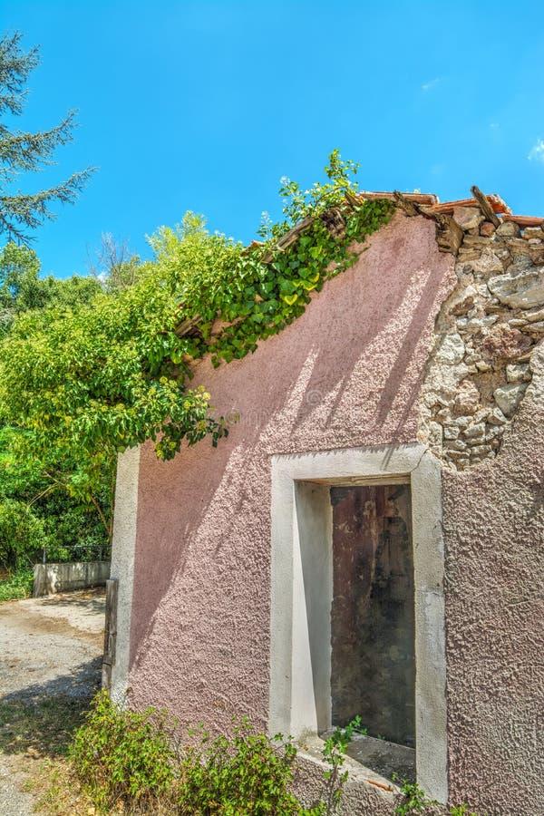 Εγκαταλειμμένο σπίτι στη Σαρδηνία στοκ εικόνα με δικαίωμα ελεύθερης χρήσης
