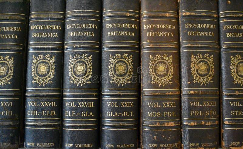 Εγκυκλοπαίδειες/βοηθητικά βιβλία στοκ φωτογραφία