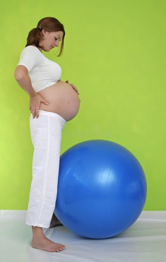 εγκυμοσύνη άσκησης στοκ φωτογραφία με δικαίωμα ελεύθερης χρήσης