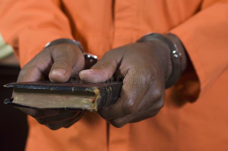Εγκληματικός παίρνοντας όρκος στοκ εικόνες