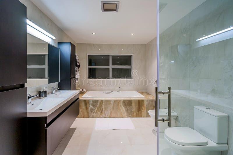 Εγχώριο washroom πολυτέλειας στοκ φωτογραφία
