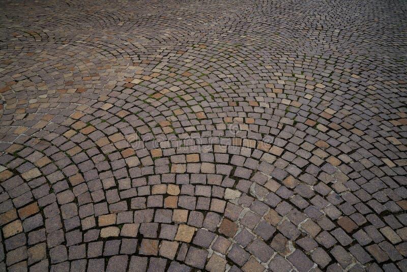 Εδαφολογικό πεζοδρόμιο οδών κυβόλινθων μωσαϊκών της Φρανκφούρτης στοκ εικόνες