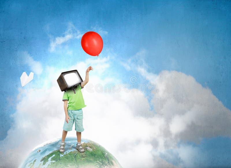 Εθισμένα TV παιδιά Μικτά μέσα ελεύθερη απεικόνιση δικαιώματος