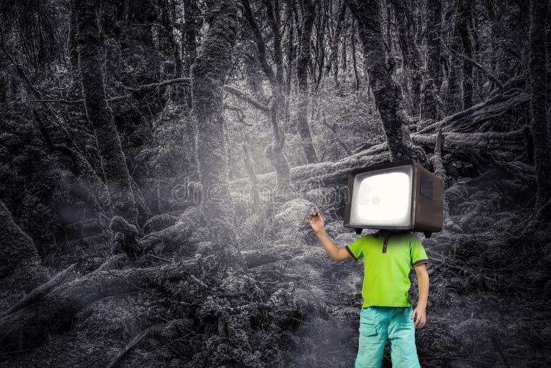 Εθισμένα TV παιδιά Μικτά μέσα στοκ φωτογραφίες