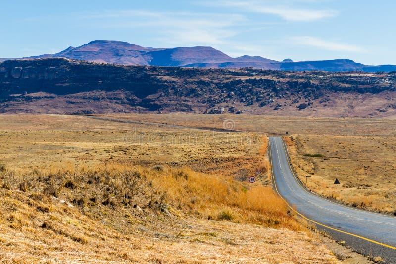 Εθνική οδός στο χρυσό εθνικό πάρκο πυλών στοκ εικόνες