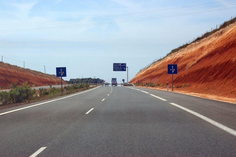 Download εθνική οδός στοκ εικόνα. εικόνα από δρόμος, σημάδι, γύρος - 110355