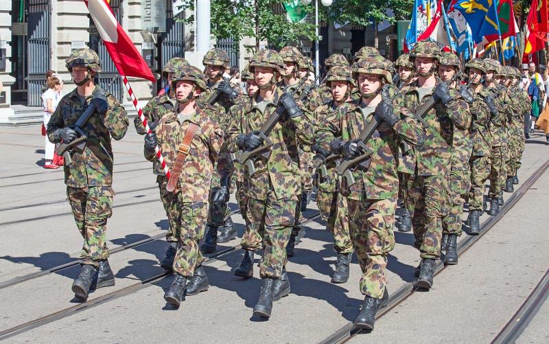 εθνική παρέλαση ελβετικ στοκ εικόνες με δικαίωμα ελεύθερης χρήσης