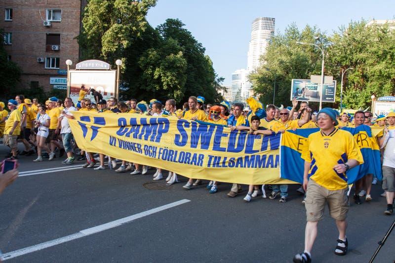εθνική σουηδική ομάδα ανεμιστήρων στοκ εικόνες