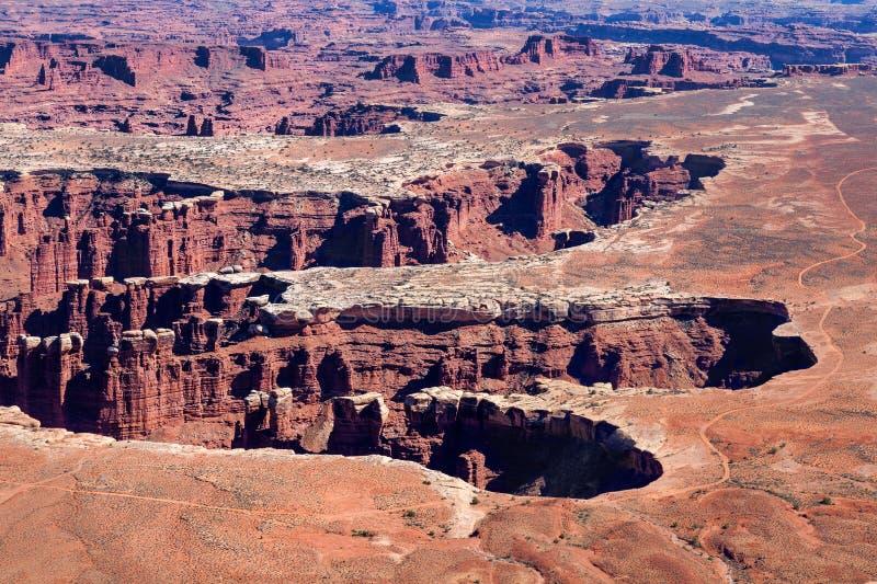 Εθνικό πάρκο-νησί Γιούτα-Canyonlands στο ίχνος περιοχή-Grandview ουρανού στοκ εικόνα με δικαίωμα ελεύθερης χρήσης