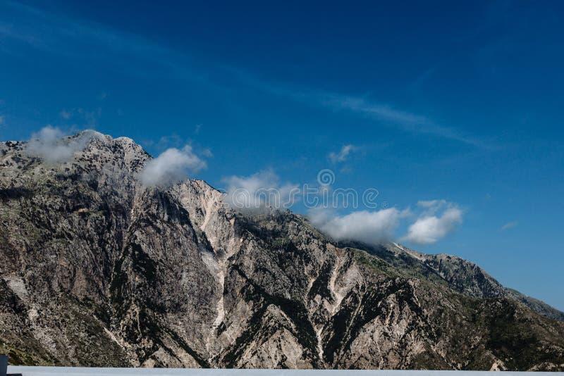 2018 εθνικό πάρκο της Αλβανίας Llogara, πέρασμα Llogara, πανόραμα των moutains στοκ εικόνες