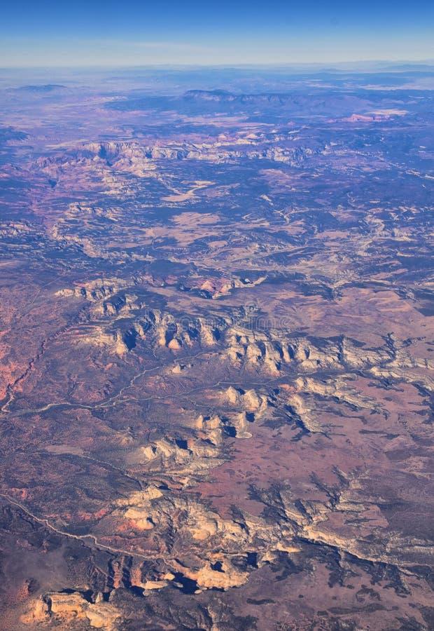Εθνικό Πάρκο Zions στην Γιούτα, αεροφωτογραφία από το αεροπλάνο αφηρημένων τοπίων, κορυφών και φαραγγιών του Αγίου Γεωργίου, Ηνωμ στοκ εικόνα