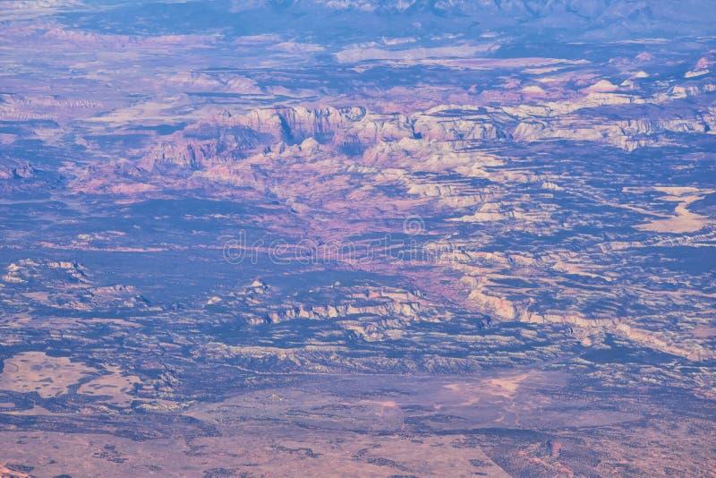 Εθνικό Πάρκο Zions στην Γιούτα, αεροφωτογραφία από το αεροπλάνο αφηρημένων τοπίων, κορυφών και φαραγγιών του Αγίου Γεωργίου, Ηνωμ στοκ εικόνες με δικαίωμα ελεύθερης χρήσης