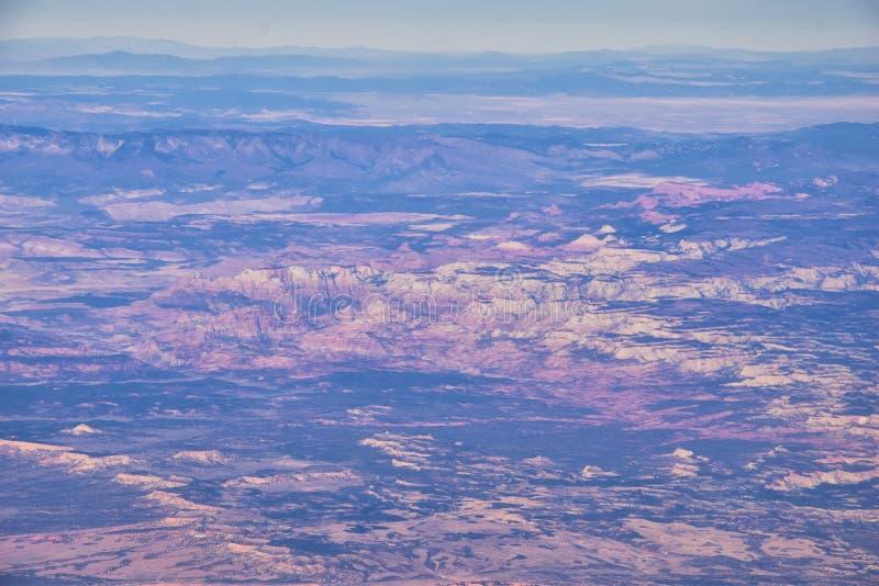 Εθνικό Πάρκο Zions στην Γιούτα, αεροφωτογραφία από το αεροπλάνο αφηρημένων τοπίων, κορυφών και φαραγγιών του Αγίου Γεωργίου, Ηνωμ στοκ φωτογραφίες με δικαίωμα ελεύθερης χρήσης