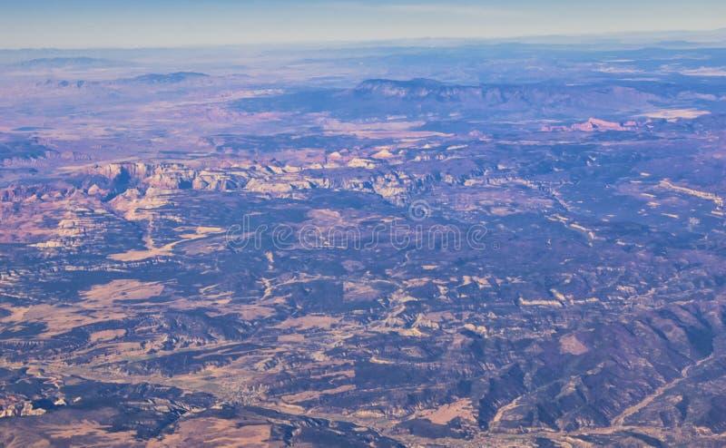 Εθνικό Πάρκο Zions στην Γιούτα, αεροφωτογραφία από το αεροπλάνο αφηρημένων τοπίων, κορυφών και φαραγγιών του Αγίου Γεωργίου, Ηνωμ στοκ φωτογραφία με δικαίωμα ελεύθερης χρήσης