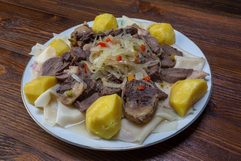 Εθνικό πιάτο του Καζάκου στοκ εικόνες