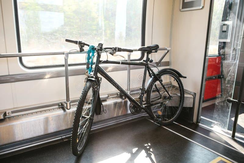 Ειδική θέση για να μεταφέρει τα ποδήλατα στο τραίνο στοκ εικόνες με δικαίωμα ελεύθερης χρήσης