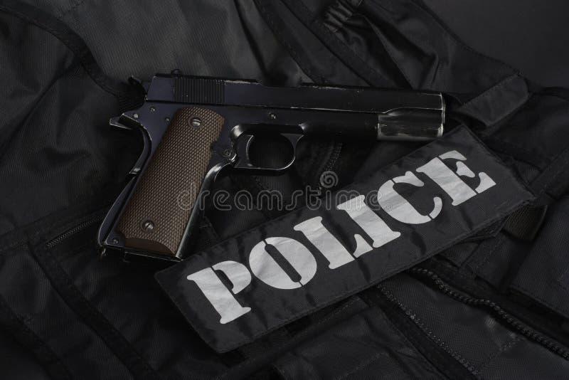 Ειδικοί όπλα και εξοπλισμός ομάδων αστυνομίας τακτικής στο Μαύρο στοκ εικόνες