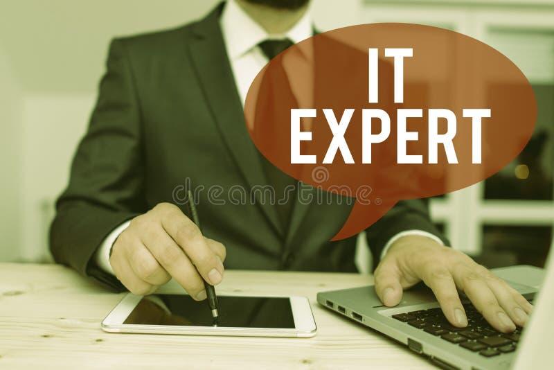 Ειδικός σε θέματα γραφής κειμένου Επιχειρηματική ιδέα για επίδειξη υψηλής γνώσης στην τεχνολογία των πληροφοριών στοκ εικόνα με δικαίωμα ελεύθερης χρήσης