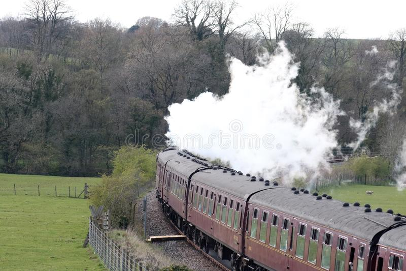 Ειδικό τραίνο ατμού RYTC που αφήνει Wennington στοκ εικόνες με δικαίωμα ελεύθερης χρήσης