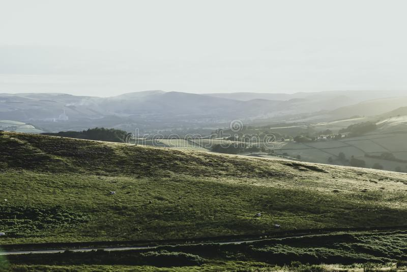 Ειδυλλιακό τοπίο του μέγιστου εθνικού πάρκου περιοχής, Derbyshire, UK στοκ εικόνες με δικαίωμα ελεύθερης χρήσης