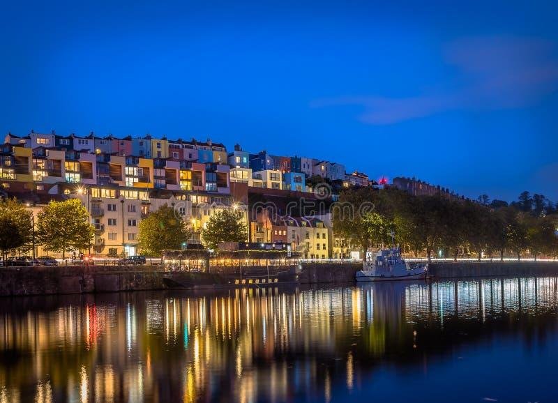 Εικονικά ζωηρόχρωμα σπίτια του Μπρίστολ ` s τη νύχτα στοκ φωτογραφία με δικαίωμα ελεύθερης χρήσης