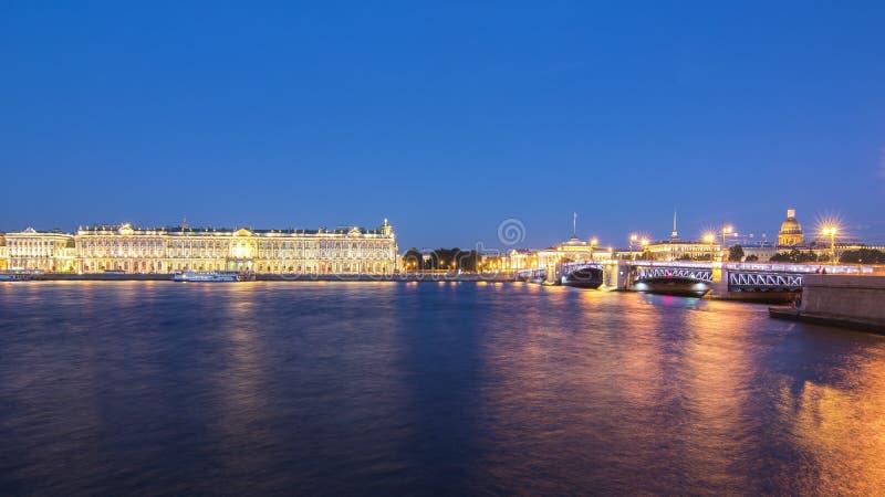 Εικονική παράσταση πόλης Αγίου Πετρούπολη τη νύχτα, Ρωσία στοκ φωτογραφία με δικαίωμα ελεύθερης χρήσης