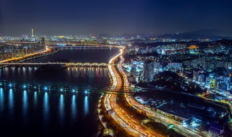 Εικονική παράσταση πόλης νύχτας, αίθουσα στοκ εικόνες