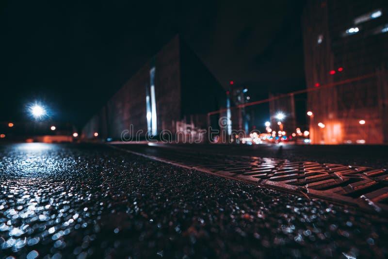 Εικονική παράσταση πόλης νύχτας με το ρηχό βάθος του τομέα, ευρεία άποψη γωνίας στοκ εικόνες με δικαίωμα ελεύθερης χρήσης