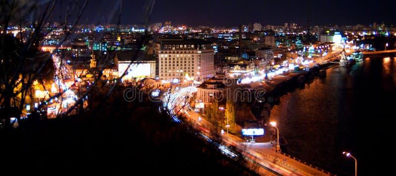 Εικονική παράσταση πόλης νύχτας στοκ εικόνα με δικαίωμα ελεύθερης χρήσης