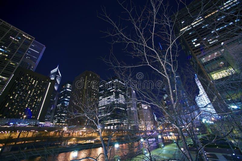 Εικονική παράσταση πόλης τη νύχτα στοκ εικόνες με δικαίωμα ελεύθερης χρήσης