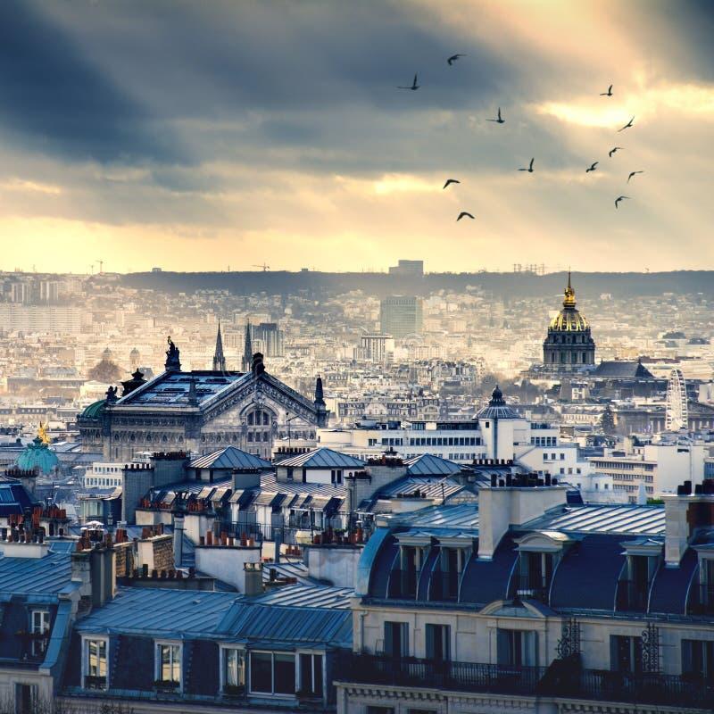 Εικονική παράσταση πόλης του Παρισιού που λαμβάνεται από Montmartre στοκ εικόνες