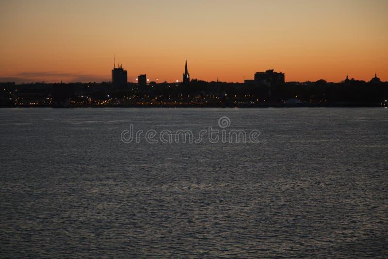 Εικονική παράσταση πόλης trois-Rivières, Québec, Καναδάς στο ηλιοβασίλεμα στοκ εικόνα με δικαίωμα ελεύθερης χρήσης