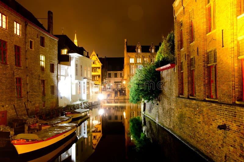 Εικονική παράσταση πόλης νύχτας στοκ φωτογραφία