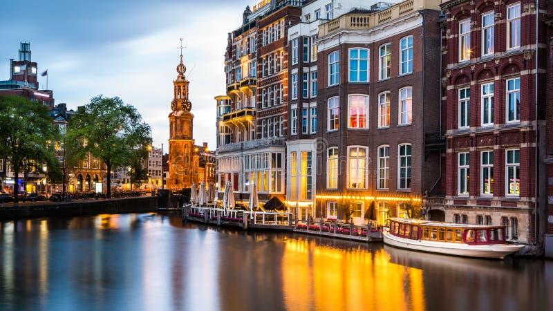 Εικονική παράσταση πόλης του Άμστερνταμ στο σούρουπο στοκ εικόνες με δικαίωμα ελεύθερης χρήσης