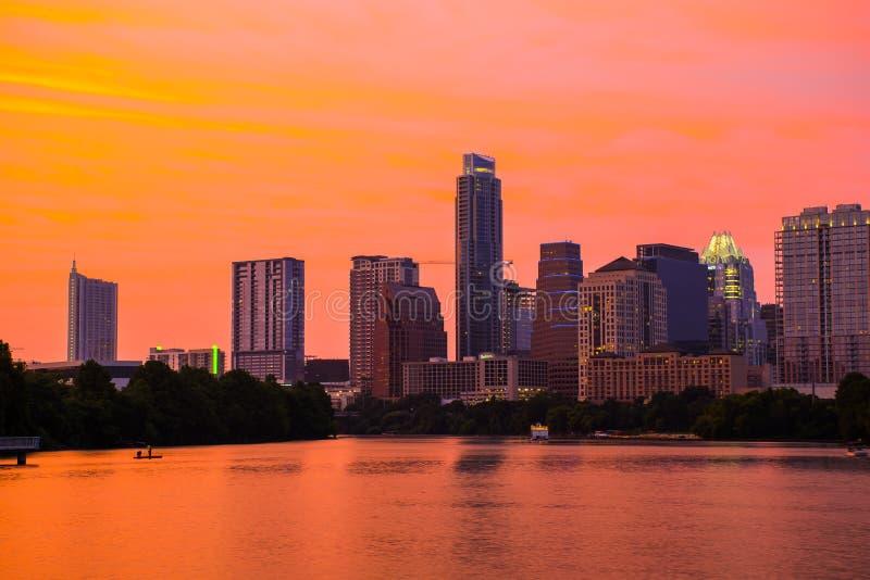 Εικονική παράσταση πόλης του Τέξας Capitol πόλεων του Ώστιν ανατολής λιμνών κωμοπόλεων πρωινού στοκ φωτογραφία