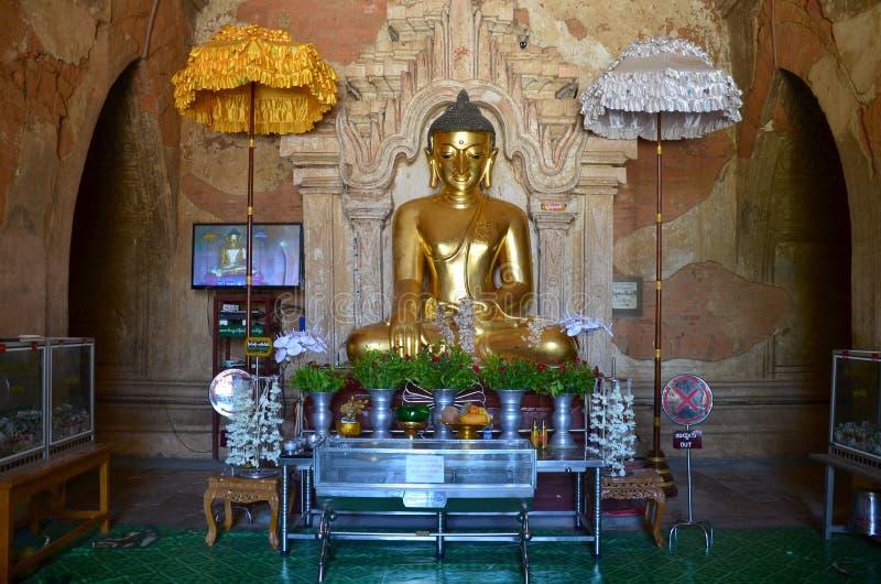 Εικόνα αγαλμάτων του Βούδα στο ναό Htilominlo σε Bagan στοκ εικόνα