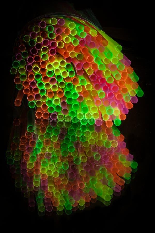 Εικόνα καθρεφτών της δέσμης των ζωηρόχρωμων αχύρων στοκ εικόνες με δικαίωμα ελεύθερης χρήσης