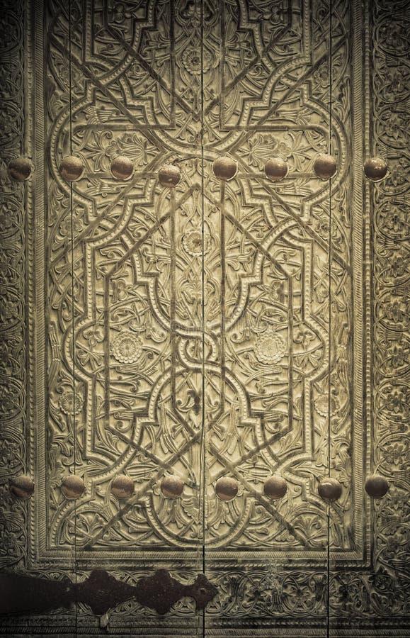 Εικόνα κινηματογραφήσεων σε πρώτο πλάνο των αρχαίων πορτών στοκ εικόνες