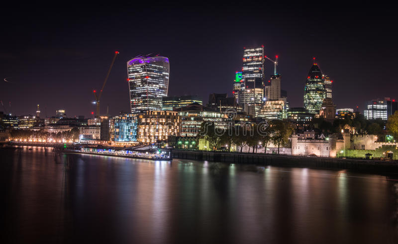 Εικόνα νύχτας της πόλης του Λονδίνου στοκ φωτογραφία με δικαίωμα ελεύθερης χρήσης