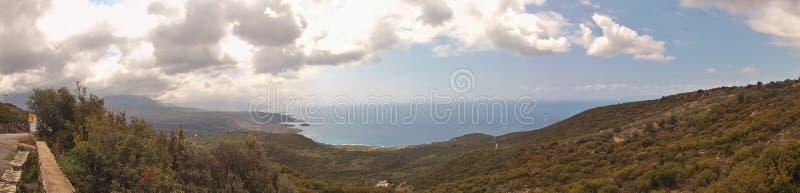 Εικόνα πανοράματος της δυτικής ακτής εξωτερικού Mani, Πελοπόννησος, Ελλάδα στοκ εικόνες