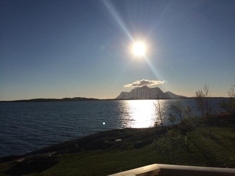 Εικόνα που λαμβάνεται από την ιδιοκτησία μας θαλασσίως σε Inndyr, Gildeskaal στο βόρειο τμήμα της Νορβηγίας στοκ εικόνες με δικαίωμα ελεύθερης χρήσης