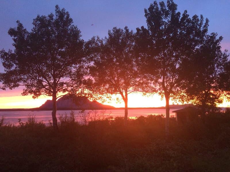Εικόνα που λαμβάνεται από το σπίτι μας σε Inndyr, Gildeskaal στο βόρειο τμήμα της Νορβηγίας στοκ εικόνα με δικαίωμα ελεύθερης χρήσης